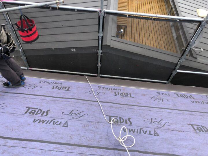 屋根材葺き替え