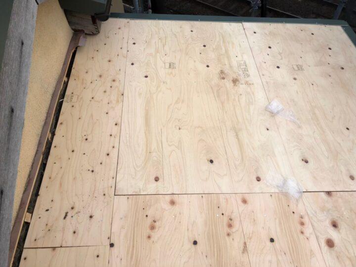【瓦棒屋根】野地板設置